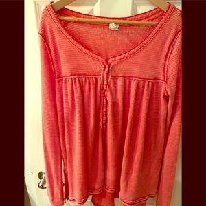 Perfect spring coral long sleeve button knit shirt